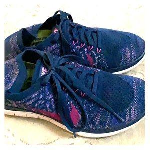 Nike barefoot running shoe SIZE 8